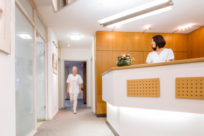 Hausarzt Attenkirchen - Coutelle - Praxis - Empfang