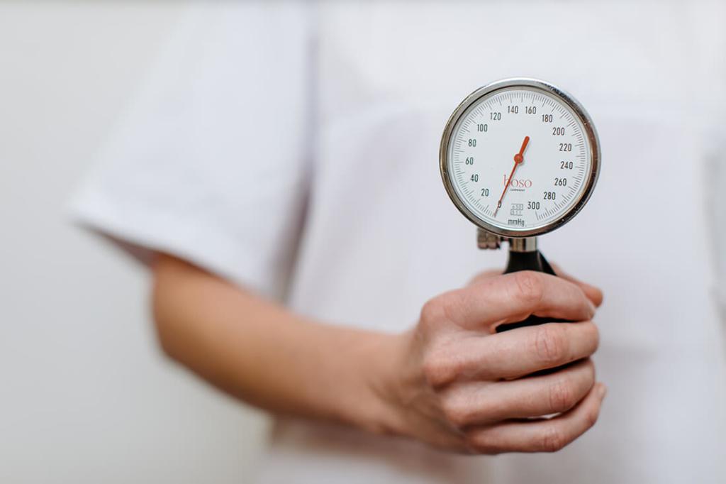 Hausarzt Attenkirchen - Coutelle - Leistungen - Blutdruck