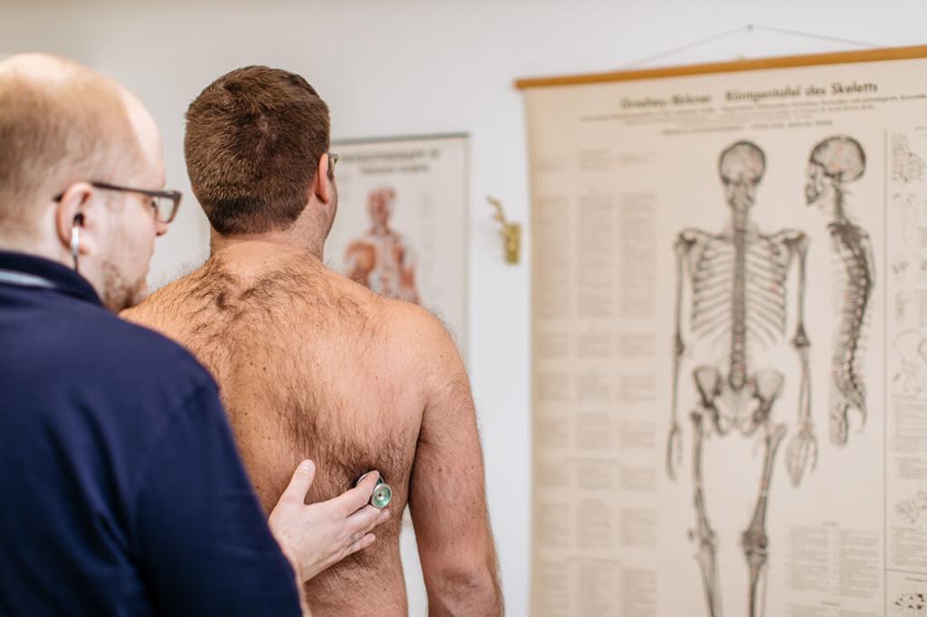 Hausarzt Attenkirchen - Coutelle - Leistungen - Check Up 35